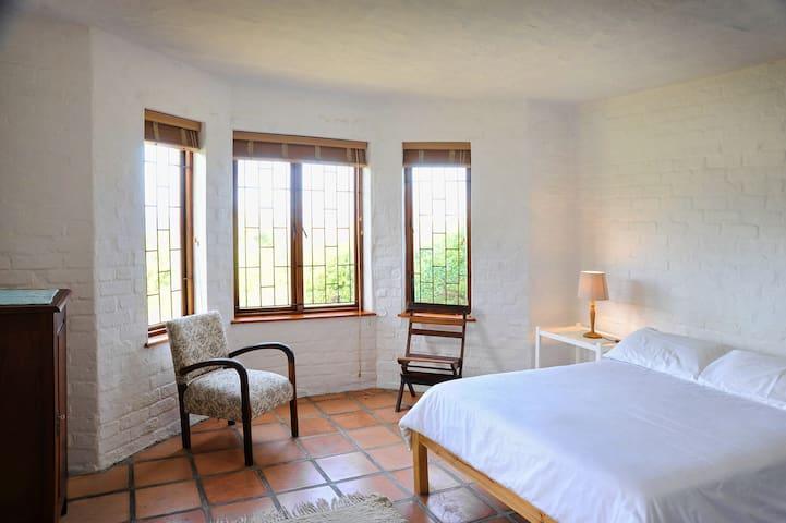 Main downstairs bedroom with en-suite