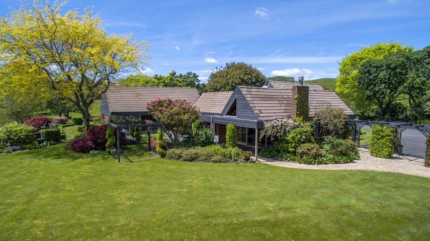 Omaka Lodge - The Garden Room - ensuite