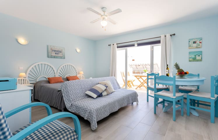 Mariners (3) - Bright and stylish apartment - 2 minute walk to the beach