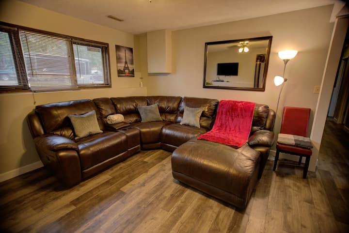 ✪ Newly Renovated ✪ Mountain View Guest Suite Home