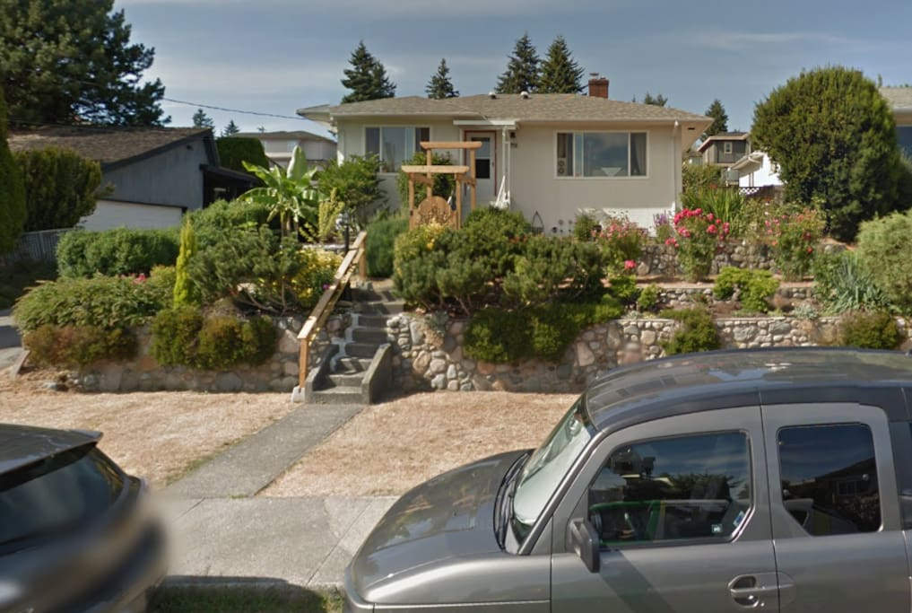 Metrotown 3 Bedroom Suite Good Views And Clean Villas For Rent In Burnaby British Columbia