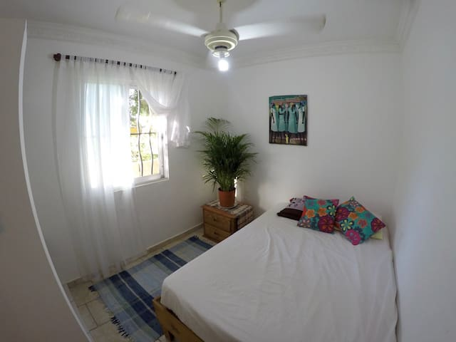 Private room at beach, close to center - Cabarete - Leilighet