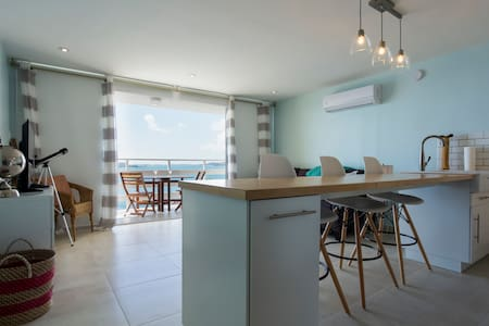 Completely remodeled, oceanfront condo