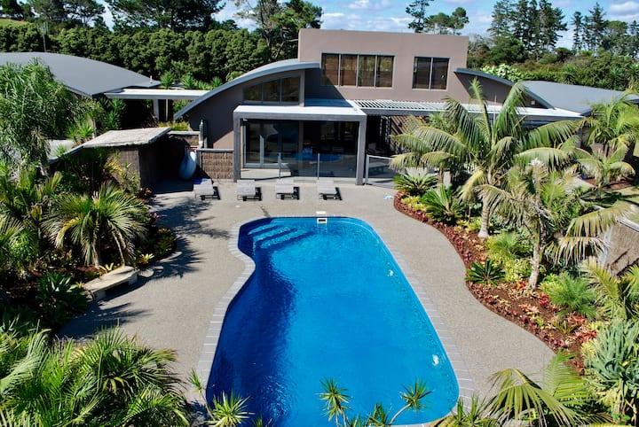 Tropical Paradise in Mangawhai