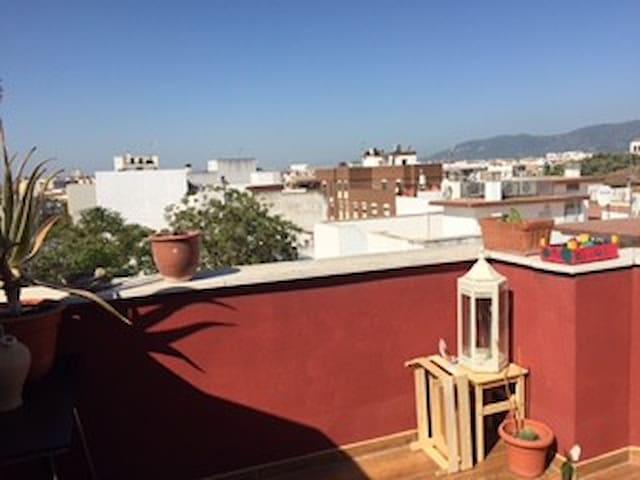 Estudio en ático duplex junto a Estación y Centro - Córdoba - Daire