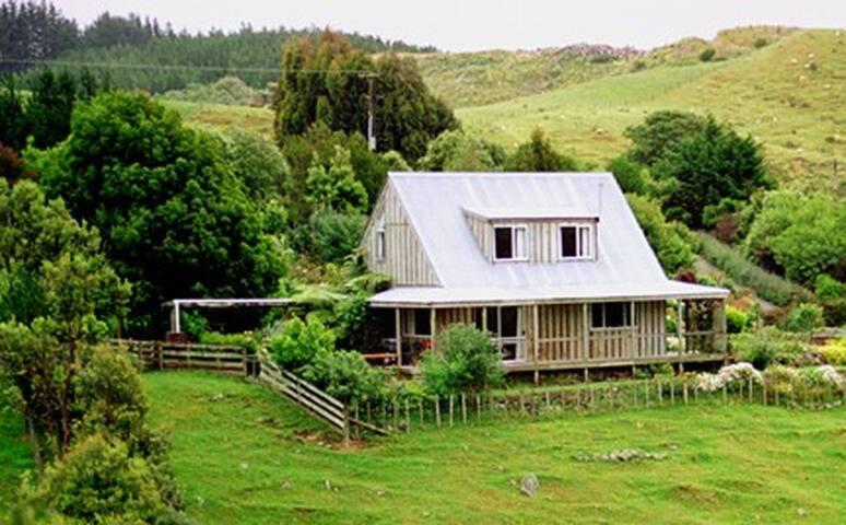 Riverstone Cottage - Reikorangi - Bed & Breakfast