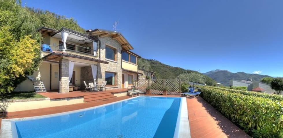 Deluxe detached villa, private pool and lake view - Villanuova sul Clisi - Villa