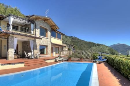 Deluxe detached villa, private pool and lake view - Villanuova sul Clisi - 별장/타운하우스