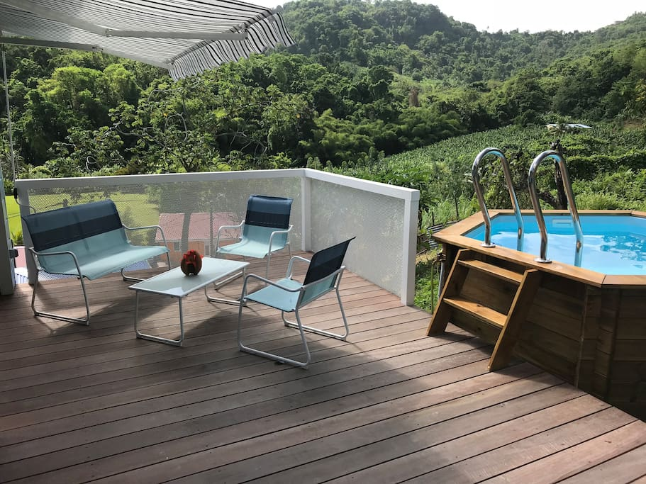 Terrasse et piscine privée