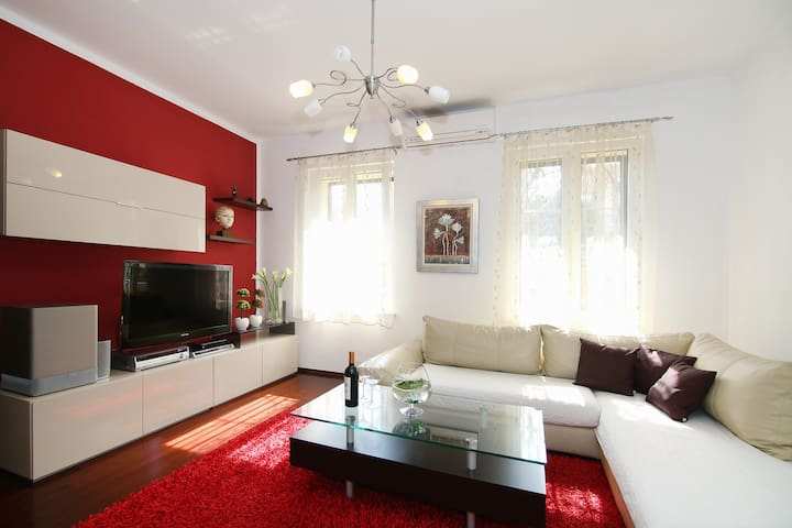 Very central and beautiful apartment in the center