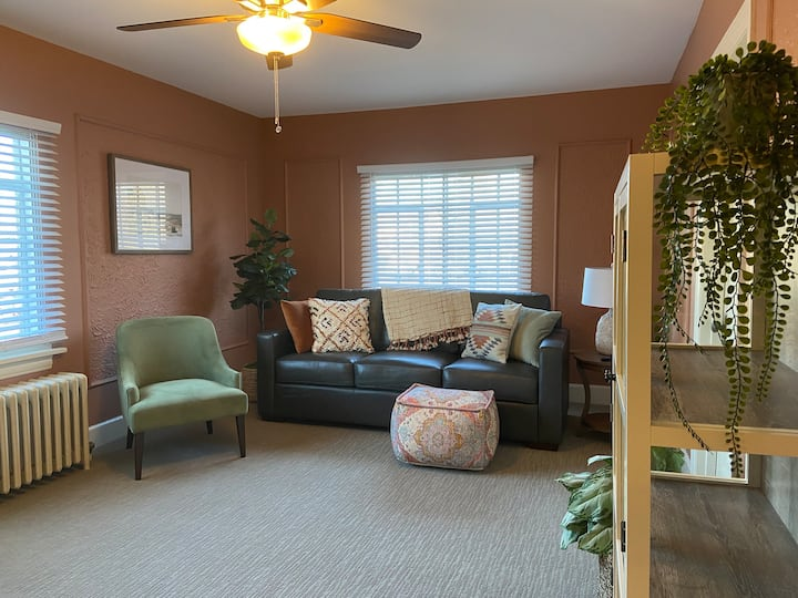 New Listing*Urban Charm*Close to downtown*Welcome!