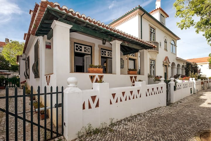 Historical family house in the heart of Cascais