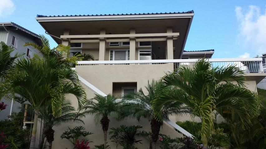Guest house in Kailua Mansion - Kailua - Konukevi