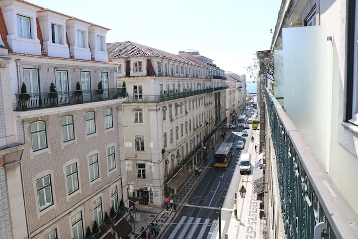 ※NEW ※ Baixa-1Bedroom Apartment with Lift