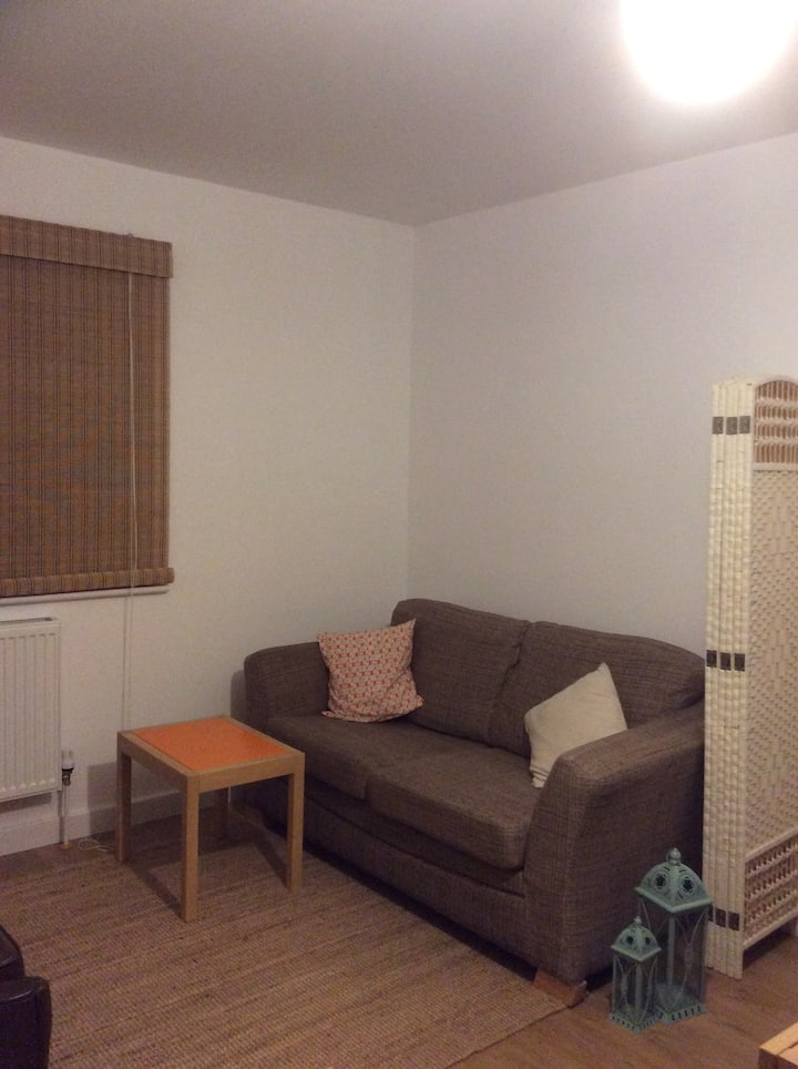 One bed modern studio apartment in Newhaven