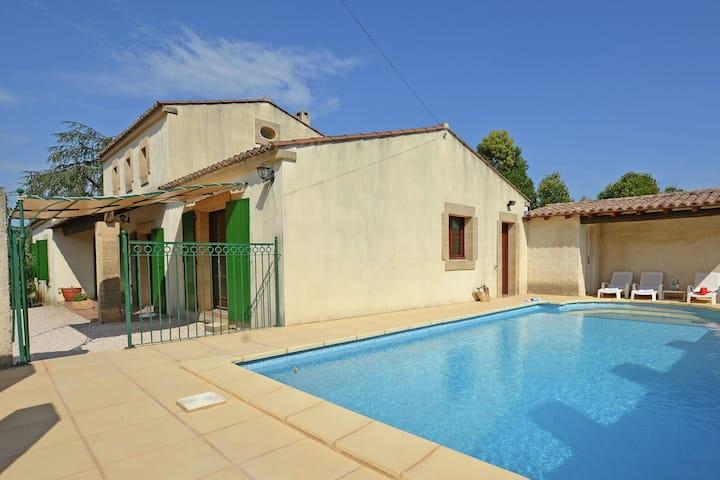 Beautiful Villa in Flaux with Swimming Pool