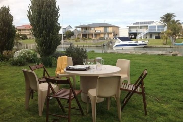 Riverfront Living - Goolwa North - House
