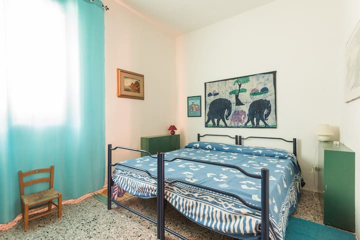 casa sulla spiaggia a Sa Marigosa, SUL MARE - San Vero Milis - บ้าน