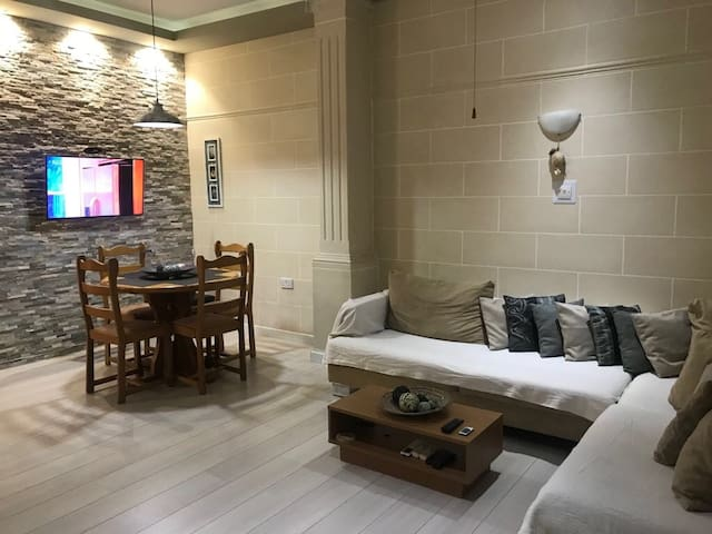 Saint Julians holiday flat