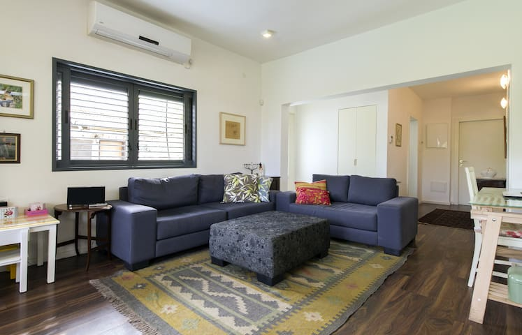 Luxurious in a quiet area,back yard all included. - Rehovot - Rumah