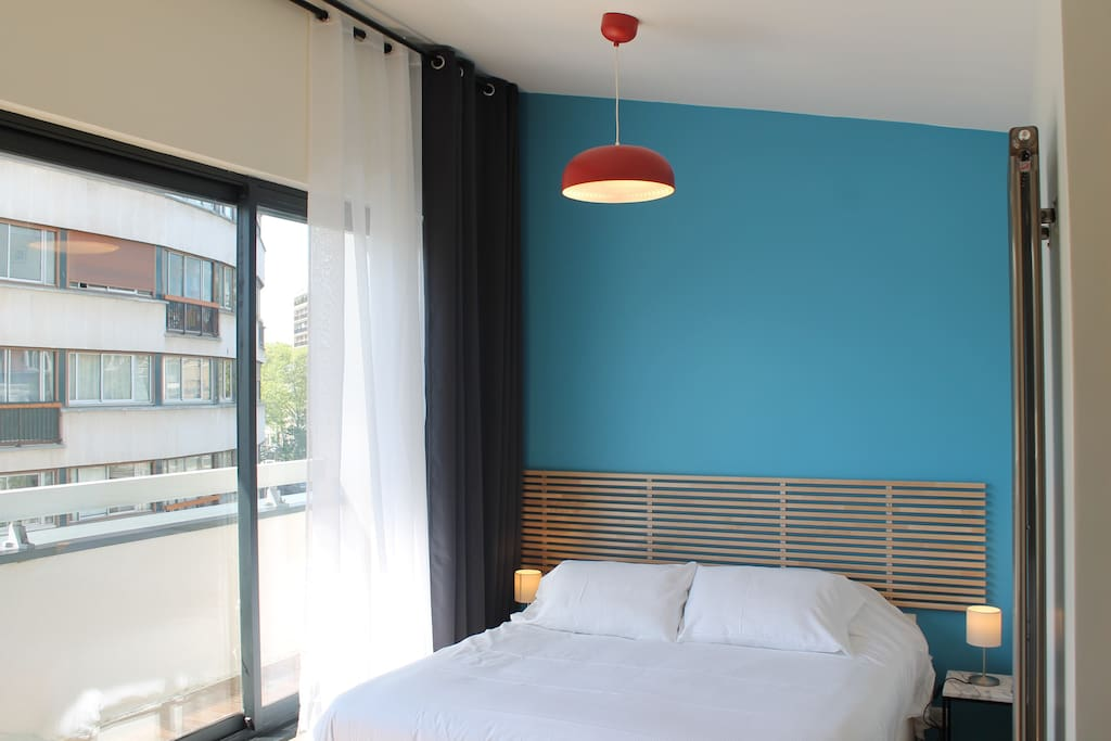 BEDROOM ONE WITH QUEEN SIZE BED (160cm X200cm)