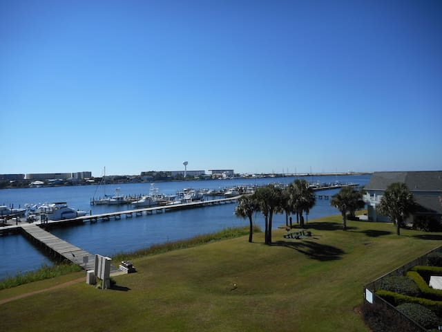 Comfortable Condo at the Bay with Boat Slip - Fort Walton Beach - Condomínio