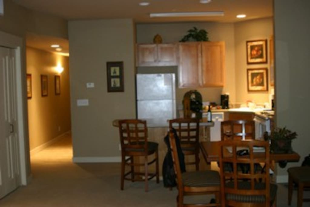 The comfortable kitchen and dining area.