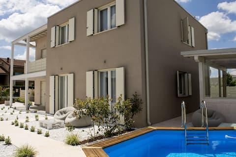 Home suites home (3 km fra Peschiera del Garda)