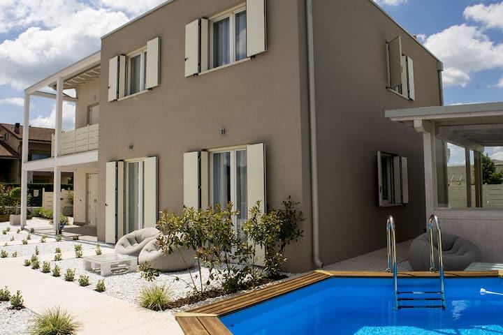 Home suites home (3 km da Peschiera del Garda)