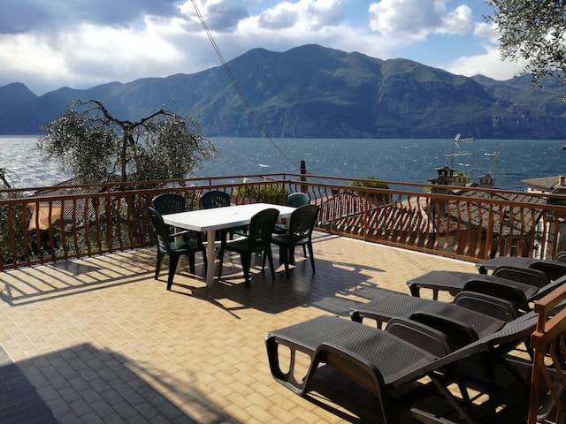 """""""CASA CONSOLATI""""    Lago di Garda - Brenzone sul Garda - Lägenhet"""