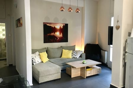 Charming renovated clean appartment - Athen - Wohnung