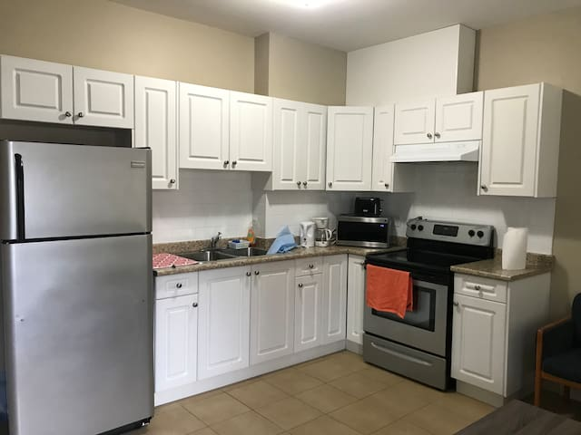 *** ONE BEDROOM BASEMENT SUITE***