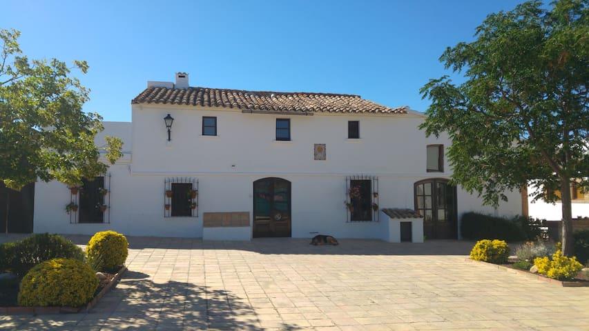 Casa rural rodeada de geniales viñedos - Barcelona - Huis