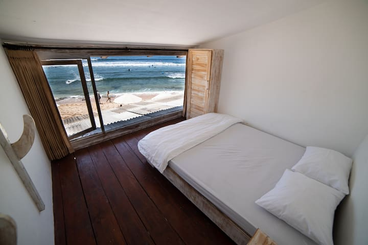 Beachfront Guesthouse Room 4 with Sunset view