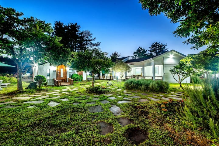 Healing villas in 2680 Yusuam-ri