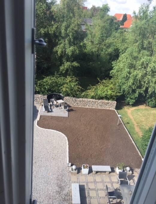 Blick auf die zwei Terrassen