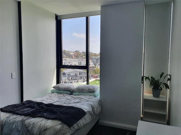 Furnished room in Meriton lighthouse
