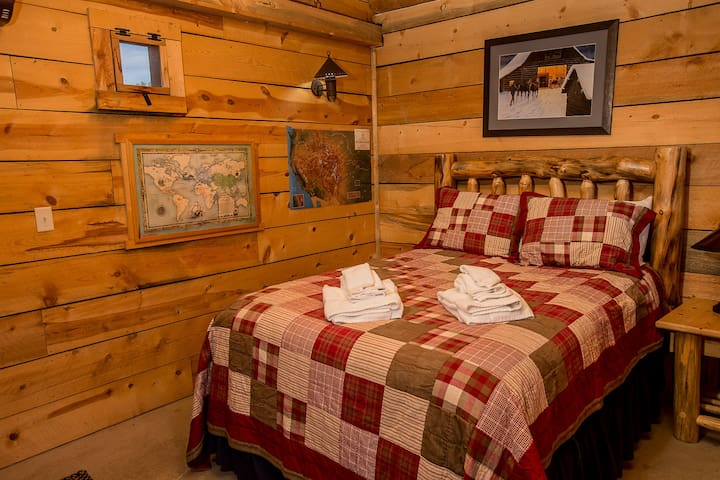 Crow Creek Room, Platte River Fort - Greeley - Bed & Breakfast