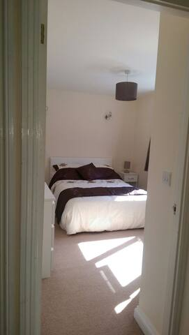 Conveniently located double bedroom - Royston