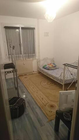 Chambre privé 2 lits