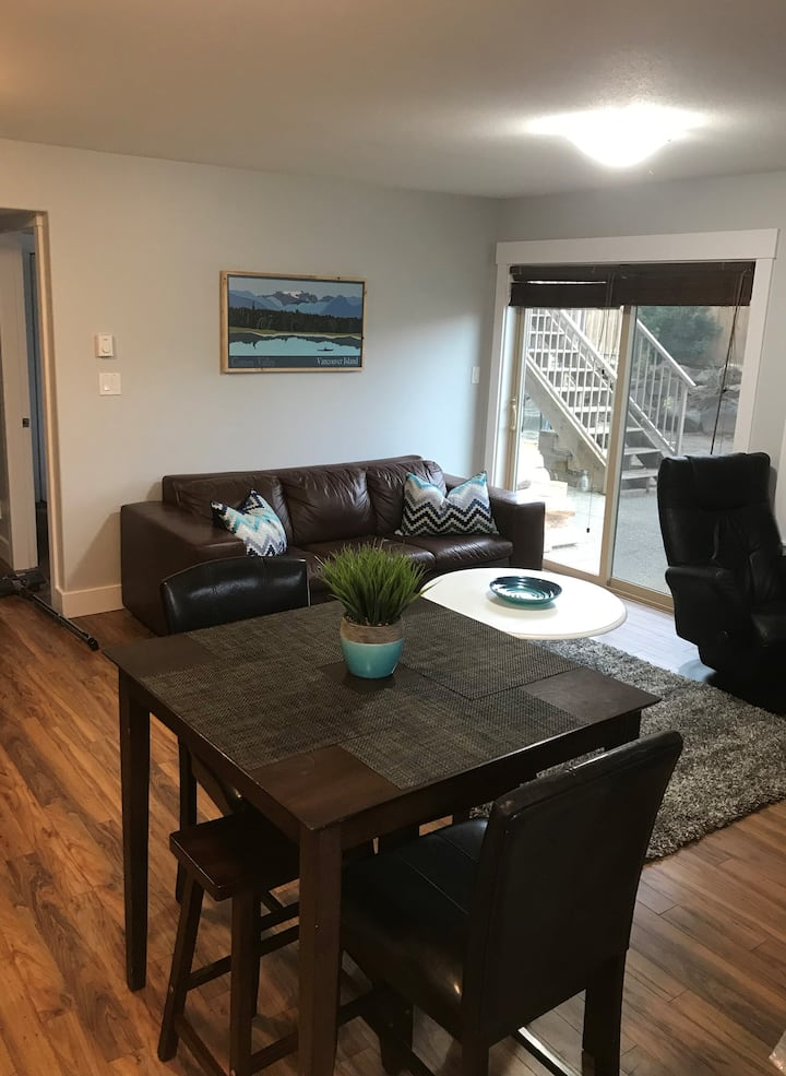 Modern, 2 Bedroom Suite. 25 min to Mt. Washington!