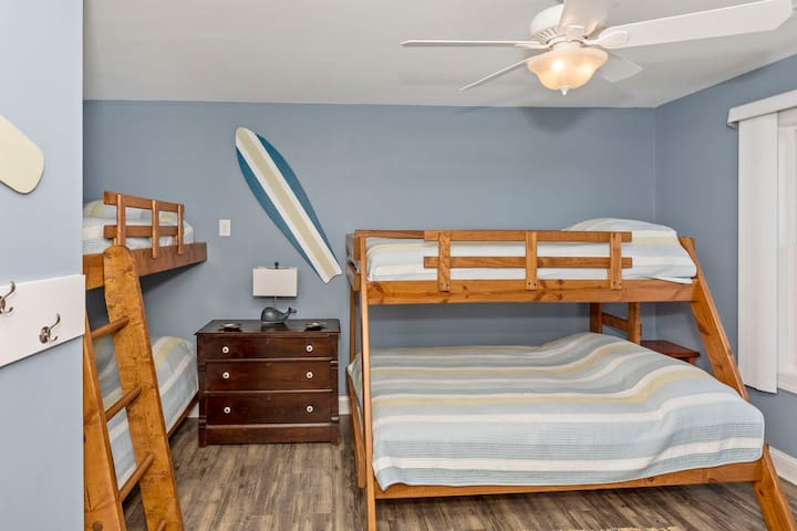 Bunk room - great place for the kids to stay.