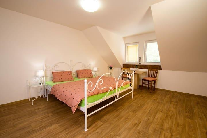 Čtyřlůžkový apartmán v Penzionu Zlatovláska
