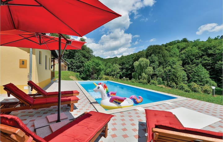 Nice home in Tuhelj with 4 Bedrooms, Sauna and Outdoor swimming pool