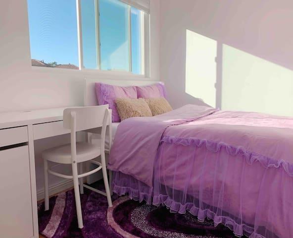 San Francisco  New  Queen Bed  # Z