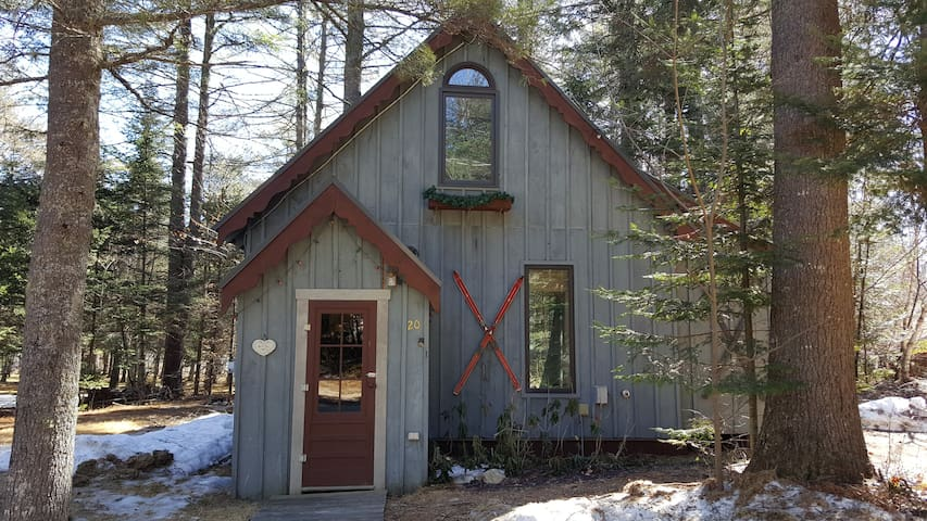 Chalet w/hot tub in Newry, Maine - Newry - Chalé