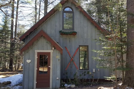 Chalet w/hot tub in Newry, Maine - Newry