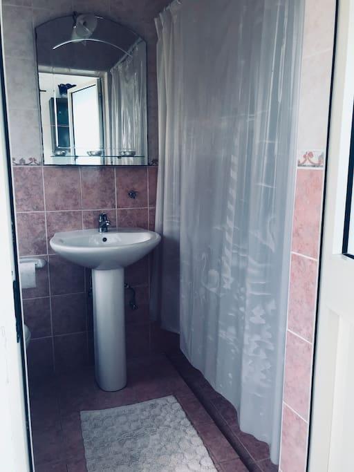 Private bathroom/shower/toilet/mirror&towels