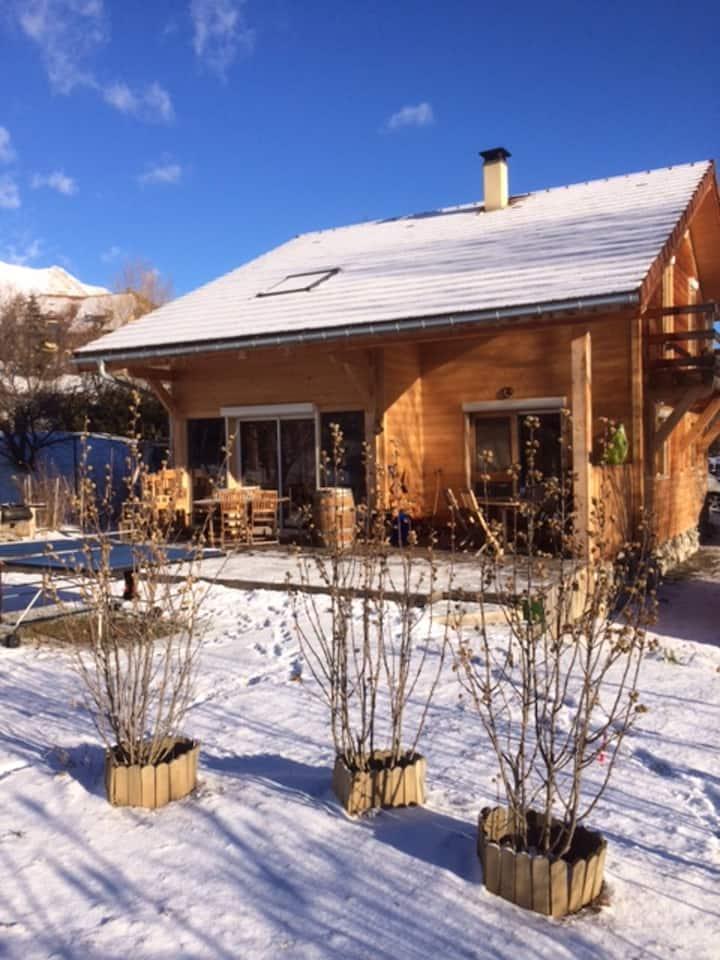 Maison de 4 chambres à Gap, avec magnifique vue sur la montagne, jardin aménagé et WiFi - à 25 km des pistes