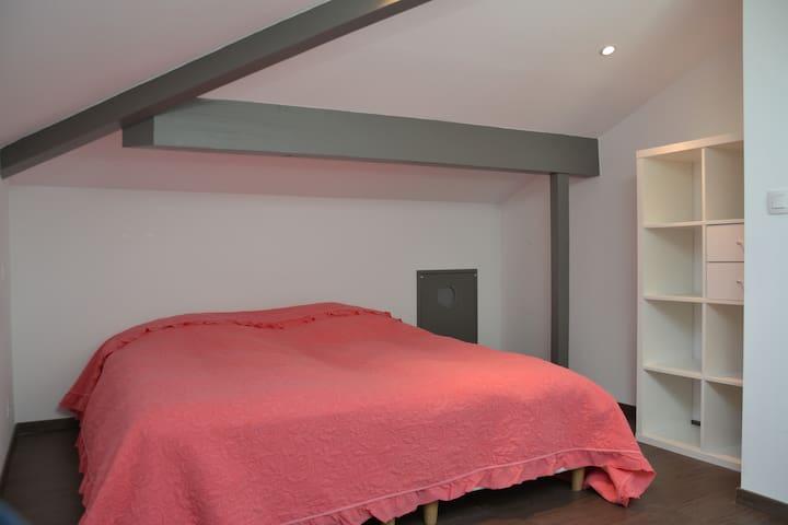 Chambre 2 (à l'étage)